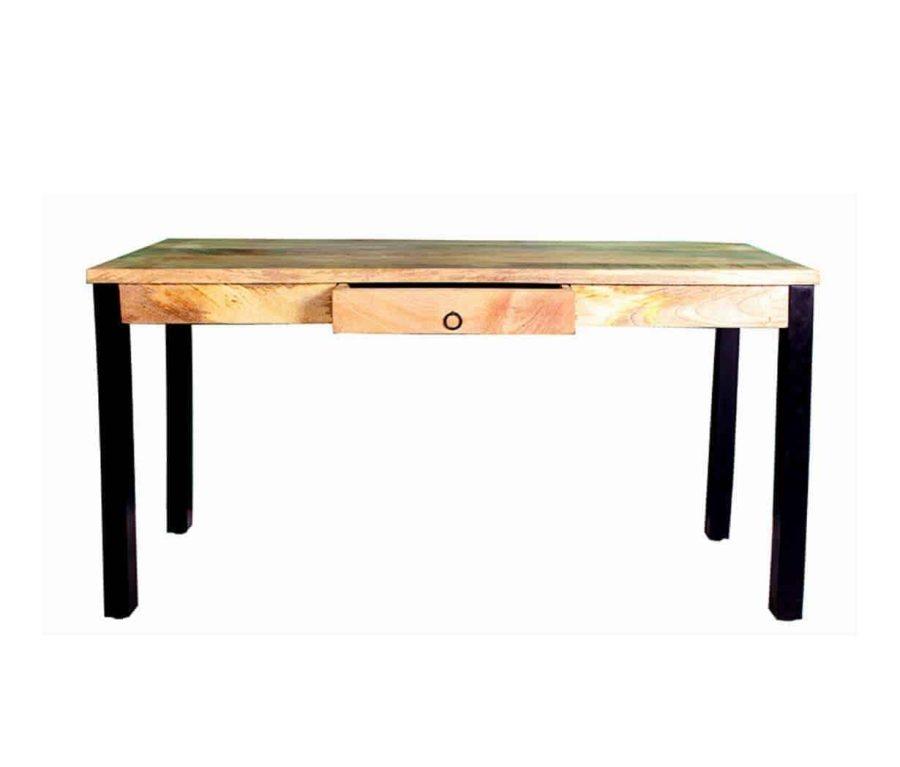 """שולחן סטודנט ממתכת ומעץ מנגו מהוקצע בעובי של3 ס""""מ. עם מגירה במרכז השולחן . קיימים פריטים נוספים בקולקציה של ריהוט עץ המנגו."""