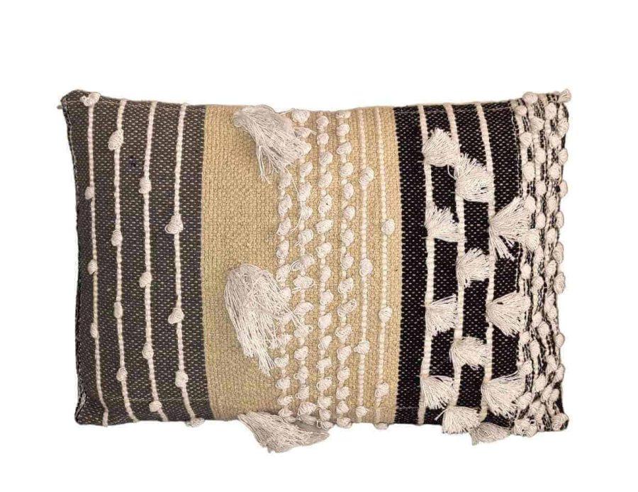 כרית בוהו שיק בעיצוב כפרי צבע בז' טבעי - דגם אריאל03 מלבן