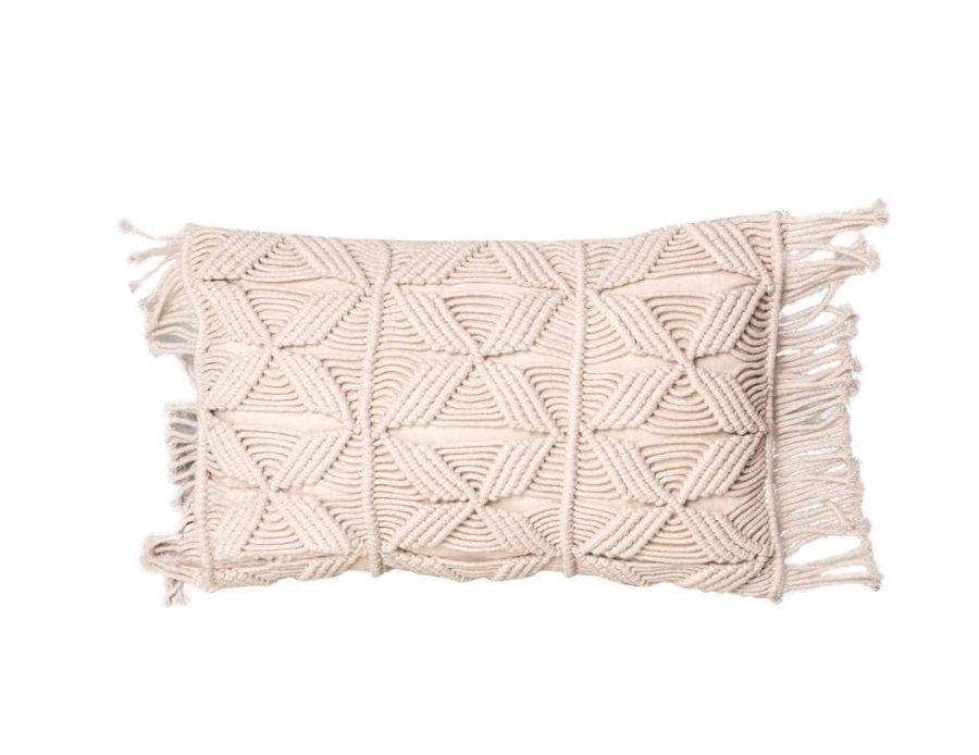 כרית מקרמה בצבע בז' טבעי בסגנון בוהו כפרי דגם אלמה 04