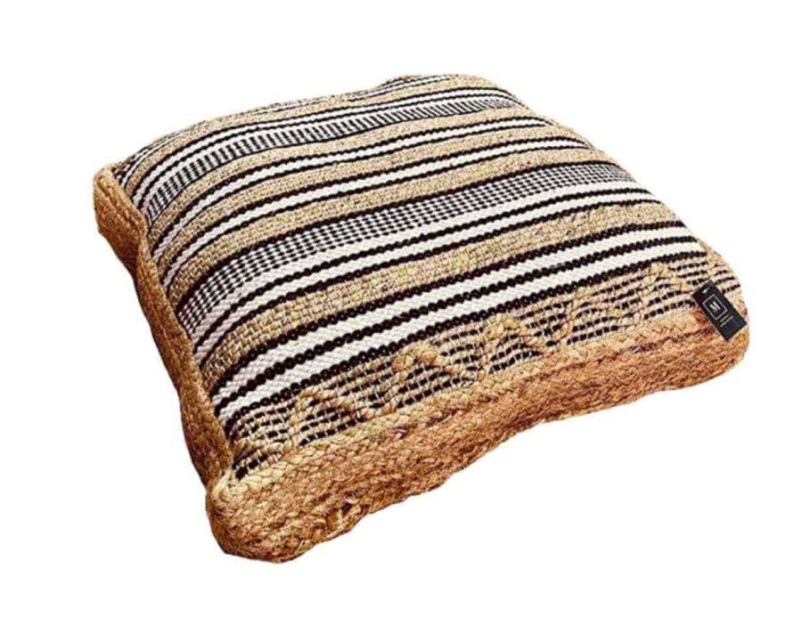 פוף רך מרובע עם פסים בסגנון בוהו שיק כפרי