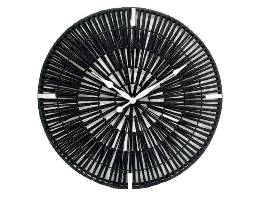 שעון קש בצבע שחור בסגנון בוהו שיק כפרי