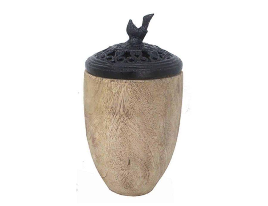 ואזה מעץ עם מכסה