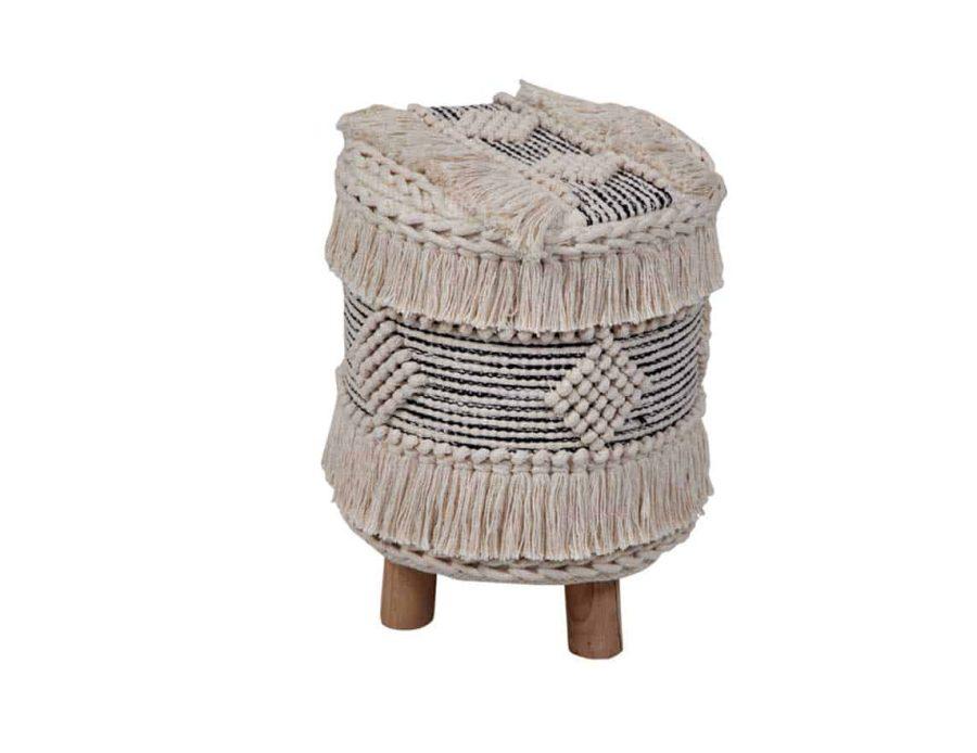 הדום עם רגלי עץ - שרפרף עם רגלי עץ בסגנון בוהו שיק כפרי