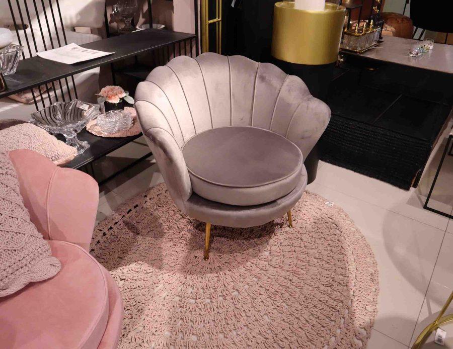 כורסא מעוצבת אפורה קטיפה לסלון