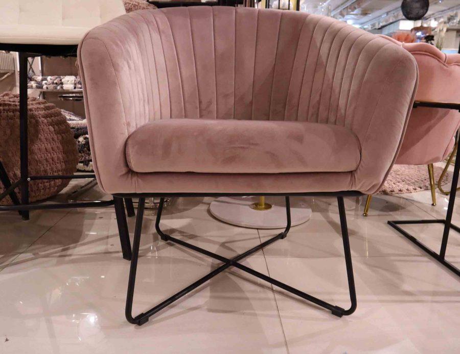 כורסא מעוצבת לסלון ורודה קטיפה
