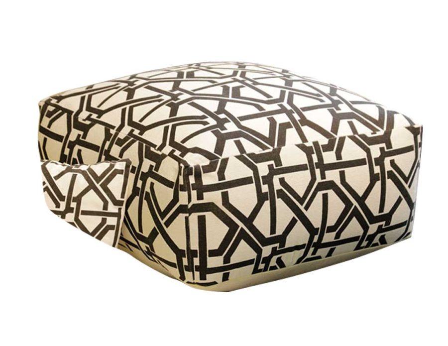פוף כותנה מעוצב שחור לבן OZBEK מרובע
