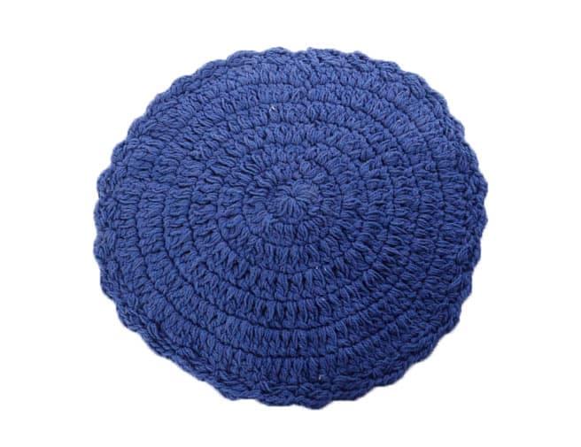 פלייסמנט מקרמה סרוג בצבע כחול